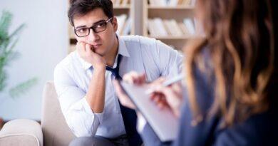 Pomoc psychologiczna online – czy warto z niej skorzystać?